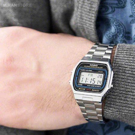 ساعت مچی دیجیتالی کاسیو مدل قدیمی معروف فلزی نقره ای